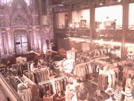 (Capsule) Trade Show Vendor, View from the 2nd Floor