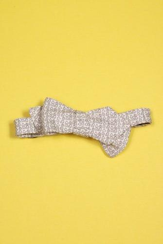Alexander Olch Linen Ghost Print Point Bow-Tie $115