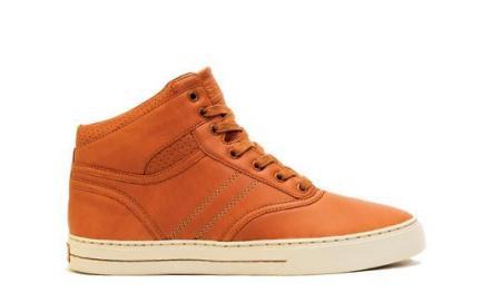 Clae Thompson Shoe in Caramel $135